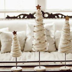 Easy Christmas Decorations, Diy Christmas Tree, Christmas Centerpieces, Rustic Christmas, Christmas Projects, Christmas Manger, Christmas Arrangements, Christmas Pajamas, Christmas Wreaths