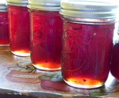 Pomegranate Chili Jelly - Do not use scorpion peppers. Replace with  combination of habanero, Anaheim, jalapeño (red & green). Double recipe. Habenero Jelly, Jalapeno Jelly, Pomegranate Jelly, Pomegranate Recipes, Jam Recipes, Canning Recipes, Canning Tips, Shot Recipes, Cooking