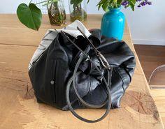 TEKOA 731 borsa in jeans dipinti e pelle recuperata Milano, Bucket Bag, Take That, Fashion, Bag, Pouch Bag, Moda, Fashion Styles, Fashion Illustrations