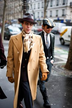 stop what you're doing, 'cause I'm about to ruin, the image and style that you're used to...Paris street fashion, les hommes.