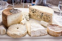 Cheese platter with blue cheese difference goat cheeses brie and ewe cheese [OC] [2560  1707] #foodporn #food #foodie #yummy #yum #foodgasm #nomnom #delicious #recipe