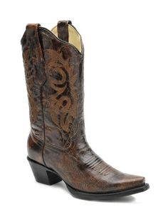 brown cowgirl boots for the fall/winter