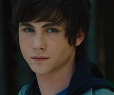 Percy Jackson And Annabeth Chase Image: Percy Jackson And The Olympians: The Lightning Thief Annabeth Chase, Percy Et Annabeth, Logan Lerman, Percy Jackson Film, Chase Costume, Daughter Of Poseidon, The Lightning Thief, Romance, Rick Riordan Books