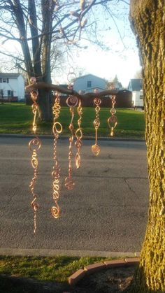 Copper Wire Crafts, Copper Wire Art, Diy Wind Chimes, Stained Glass Birds, Spring Art, Sun Catcher, Beads And Wire, Yard Art, Beautiful Gardens