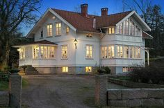 Trendy Home Exterior Garage Dream Houses New England Hus, Swedish House, Trendy Home, Scandinavian Home, White Houses, House Goals, Home Interior, Old Houses, My Dream Home