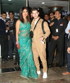 New Delhi: Priyanka Chopra, Nick Jonas arrive in national capital - Social News XYZ