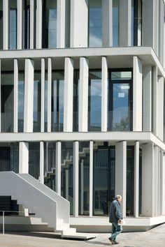 Bundesarbeitsgericht erfurt 3 facades concrete pinterest - Estudio de arquitectura barcelona ...