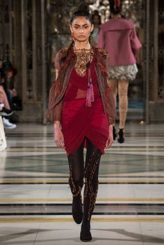 Happy Andrada Autumn/Winter 2017 Ready to Wear Collection | British Vogue