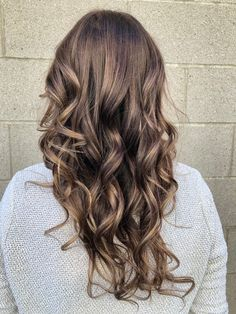 Blonde baby lights with brown low lights dark brown hair Brown Low Lights, Light Brown Hair, Dark Brown, Blonde Babys, Blonde Hair, Milk Chocolate Hair, Cute Hairstyles, Light In The Dark, Hair Inspiration