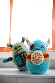 Baddies (monsters) free crochet pattern by  Carrie Huffman