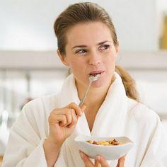رجيم البروتين... نتائج مبهرة ووقت قصير  هناك الكثير من الأنظمة الغذائية أو أنظمة الدايت التي يتم إتباعها لإنقاص الوزن وحرق الدهون وهي عادة تتسم بالتجديد والتنوع حتى يستطع الجسم أن يحصل على كافة العناصر التي يحتاجها بدون ضرر أو زيادة في الوزن.  ومن خلال تلك الأنظمة المتعددة هناك الكثير من...  http://hayatouki.com/diet/content/2262180-%D8%B1%D8%AC%D9%8A%D9%85-%D8%A7%D9%84%D8%A8%D8%B1%D9%88%D8%AA%D9%8A%D9%86-%D9%86%D8%AA%D8%A7%D8%A6%D8%AC-%D9%85%D8%A8%D9%87%D8%B1%D8%A9-%D9%88%D9%88%D9..