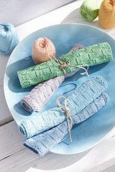 Knitting Patterns Dishcloth Seed Stitch and Check Pattern Dishcloth Free Knitting Pattern. Loom Knitting Projects, Dishcloth Knitting Patterns, Crochet Dishcloths, Knit Or Crochet, Free Knitting, Crochet Patterns, Seed Stitch, Yarn Ball, Yarn Crafts