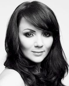 Martine McCutcheon - Loved her in Love Actually. So pretty.  Just saw her in MI-5 and she is so very cute.  Love to,see her in more films.