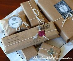 This just might be the best way to wrap all your gifts this season! #PotterDIY Download Bookling