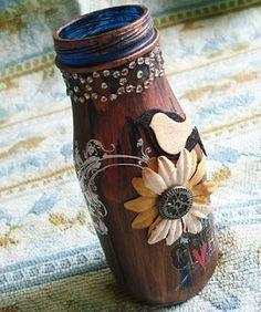 A Shabby Passion by Cabbie: Altered Starbucks bottle bottle crafts diy Snapple Bottle Crafts, Starbucks Bottle Crafts, Starbucks Glass Bottles, Frappuccino Bottles, Crafts With Glass Jars, Mason Jar Crafts, Mason Jars, Vases, Jar Art