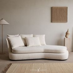 Loving the textures and curves of this side couch. Master Bedroom Interior, Living Room Interior, Living Room Decor, Living Spaces, Space Furniture, Cool Furniture, Simple Living Room, B & B, Decoration