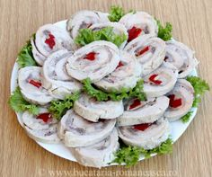 Rulada de curcan Turkey Roulade, Appetizer Recipes, Appetizers, Romanian Food, Tapas, Fresh Rolls, Sushi, Good Food, Party