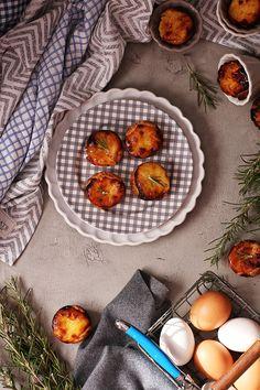 Hoy os contamos la receta definitiva para preparar Pastéis de Belém. Los famosos pastelitos portugueses que no te puedes perder. Apunta la receta! Imprescindible.