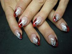 Fingernägel rot schwarz