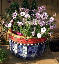 Mosaic Furniture & Garden Art – Plum Art Mosaics – Mosaic Artist – Sharon Plummer – Houston, Texas M Mosaic Planters, Mosaic Vase, Mosaic Flower Pots, Mosaic Tiles, Pebble Mosaic, Blue Mosaic, Mosaic Mirrors, Blue Tiles, Mosaic Crafts