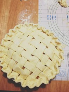 How To Make An Old-Fashioned Apple Pie with a Lattice Double Crust // Dula Notes
