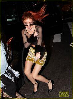 21fd73a1af9ee bella thorne dances in the street nyfw 01 Bella Thorne, Galerias De Fotos