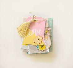 Looking for something cute and inspiring to help pass the time? Make yourself at home as our fave DIY CP Gal, Rebecca Luminarias, is here with a Poolside mason jar mini album that is perfectly sweet and totally stylish. Scroll...