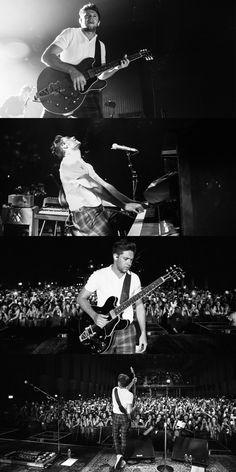 May 3rd: Niall on stage ❤️ #FlickerWorldTourZurich
