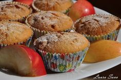 Briose cu mere (de post, vegane) Food Photo, Muffins, Cupcakes, Sweets, Breakfast, Desserts, How To Make, Diet, Kitchens