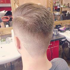 WEBSTA @ sahinthebarber - Styled by @sahinthebarber ☏  49 40 27865682 #barbershop #makkascoiffeur #alsterdorf #barber #barbering #barberporn #skinfade #barbergang #barberlife #barberlove #barberworld #menshairstyle #menshair #barbier #kapsel #kapper #hairdresser #hairstylist #coolhair #coiffeur #friseur #peluqueria #mensgrooming #menslook #tattoo #necktattoo #barbershopconnect #barbersinctv #thebarberpost