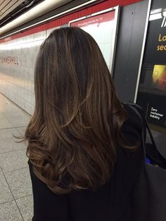 Kearns & Co Hair - Toronto, ON, Canada. Balayage done by Aaron to dark brown hair - lang donker haar Cabelo Ombre Hair, Balayage Hair, Long Brunette, Brunette Hair, Medium Hair Styles, Short Hair Styles, Hair Highlights, Brown Highlights, Hair Looks