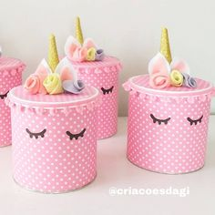 Nenhuma descrição de foto disponível. Tin Can Crafts, Foam Crafts, Diy And Crafts, Crafts For Kids, Formula Can Crafts, Decoupage Tins, Painted Tin Cans, Baby Doll Bed, Shabby Chic Painting