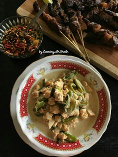 Tempe Oblok-Oblok – Cooking with Sheila Indonesian Food, Indonesian Recipes, Main Menu, Guacamole, Mexican, Dishes, Cooking, Ethnic Recipes, Kitchen