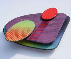 Happy Friday and to brighten your day a gorgeous enamelled brooch by Ruth Ball…