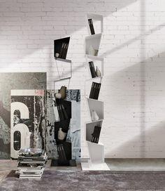Nowoczesny regał SU projektu Diego Collareda dla Ronda Design. Wszelkie ozdoby i książki znajdą tu swoje miejsce. Poszczególne segmenty o nieregularnych kształtach wykonane zostały z powlekanego metalu. SU dostępny jest w kilku kolorach.   @rondadesignsrl #metalowemeble #minimalistycznemeble #meble #wloskiemeble #wloskidesign #wlochy #regal #bialyregal #białyregał   Więcej: https://www.rondadesign.it/en/bookcases/su