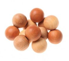 http://www.jugarijugar.com/1947-6149-thickbox/pulsera-de-bolas-natural.jpg