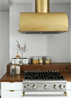 I would love to have a range hood like this!  No more smoke alarms going off.