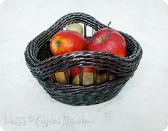 Wicker Baskets, Newspaper, Frames, Diy Crafts, Magazine, Box, Decor, Paper, Hampers
