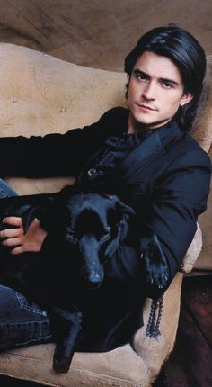Orlando Bloom, male actor and dog, celeb, famous, eye candy, gorgeous, sexy, hot, portrait, photo