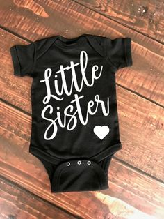 Little Brother/ Little Sister Infant bodysuit, baby onesie, baby pregnancy announcement, baby brother onesie, new baby announcement, baby announcement onesie