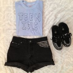 teen idle:) in LOVE with song