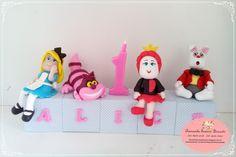 Topo de bolo Alice cubinhos.