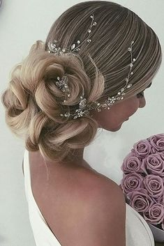 30 Pinterest Wedding Hairstyles For Your Unforgettable Wedding ❤ See more: http://www.weddingforward.com/pinterest-wedding-hairstyles/ #wedding #hairstyles #weddinghairstyles