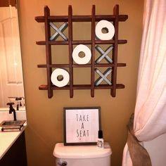 Bathroom Tic Tac Toe - Toilet paper holder - Toilet paper Tic Tac Toe - Pallet Wall art - Floating shelf - Decor - Farmhouse - Cottage by WoodSpeaksShop on Etsy Floating Shelf Decor, Floating Shelves Bathroom, Small Bathroom, Bathrooms, Deco Cafe, Pallet Wall Art, Tic Tac Toe, Diy Home Decor, Easy Diy