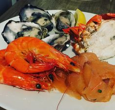The First Plate - Blue Swimmer Crab Fresh Oysters Prawns and  Herb Smoked Salmon - at the lovely Collins Street Kitchen inside the Sheraton Melbourne in Melbourne CBD #prawns #oysters #crab #smokedsalmon #seafood #buffet #delicious #tasty #goodfood #fresh #melbourne #restaurant #sheratonmelbourne #eat #sydneyfoodblogger
