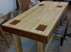 How to Make a Solid and Cheap 2×4 Workbench