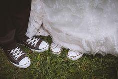Wedding Vintage, Lace Wedding, Wedding Converse, Fashion, Wedding Photography, Newlyweds, Moda, Fashion Styles, Fashion Illustrations