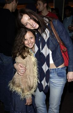 7th Heaven Mackenzie Rosman Facebook | ... sister from 7th Heaven - Flashback! Jessica Biel and Justin Timberlake