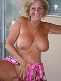 reife topless Bilder