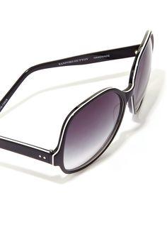 c19f374635c Oversize shades add drama to any ensemble! Celeb Style